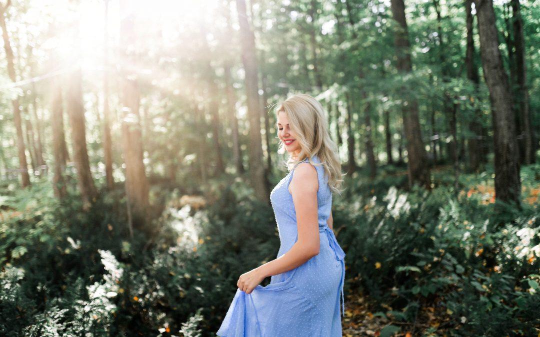 Klæd dig i en smuk blå kjole fra Munthe